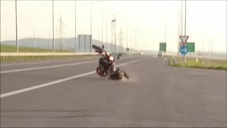 6. Ktm 690 smc r  crash and wheelie