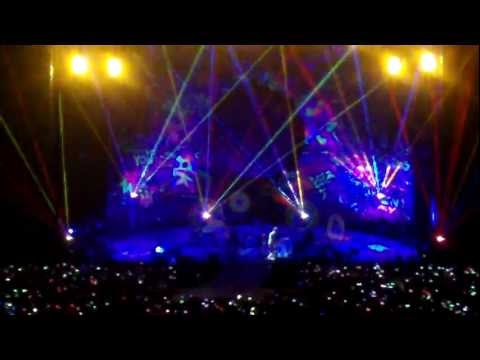 Coldplay - Hurts Like Heaven - Under 1 Roof O2 10/12/11 - HD