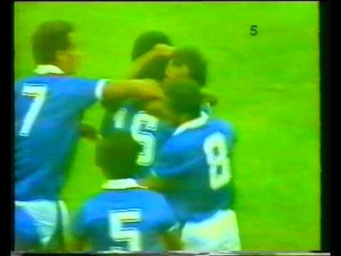 هدف فيصل الدخيل على منتخب تشيكوسلوفاكيا - كأس العالم 1982