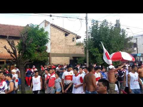 los borrachos de moron llegando a la cancha ( parte 2 ) - Los Borrachos de Morón - Deportivo Morón