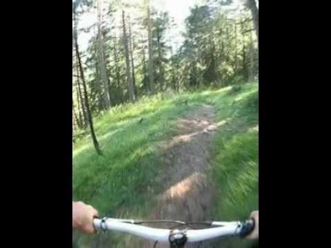Trail-Abfahrt über den Hirtensteig, Pfarrachalm - Telfes (видео)