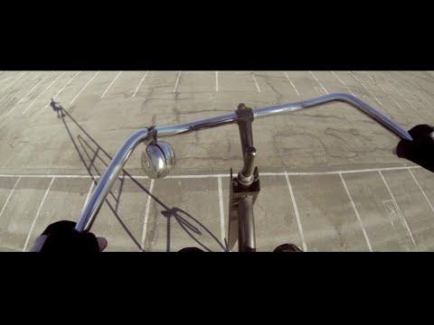 Confira como é andar na bicicleta mais alta do mundo