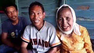 Video Lagi! Perempuan 78 Tahun Asal Amuntai Ini Nikahi Brondong, Mas Kawin Rp 12.500 MP3, 3GP, MP4, WEBM, AVI, FLV Agustus 2017