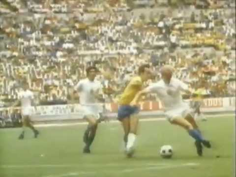 Sebfootball - Visit http://www.4Dfoot.com - The Home of Classic Football! Brazil dominated the 1970 World Cup and Pelé was at the heart of it all, with genius plays that m...