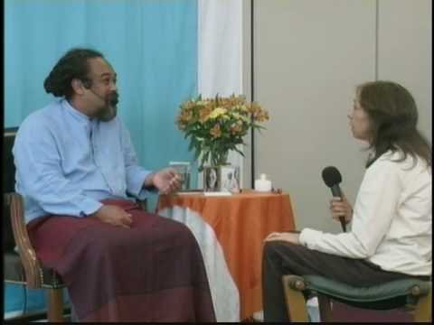 Mooji Video: Throw Away All of Your Traps