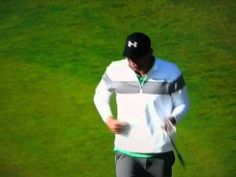 Michael Phelps holes a 153-foot putt; sets longest televised putt record