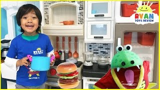 Video Pretend Play Food Toys Cooking Step2 Grand Luxe Kitchen Playtime velcro cutting fruits and vegetable MP3, 3GP, MP4, WEBM, AVI, FLV Mei 2017