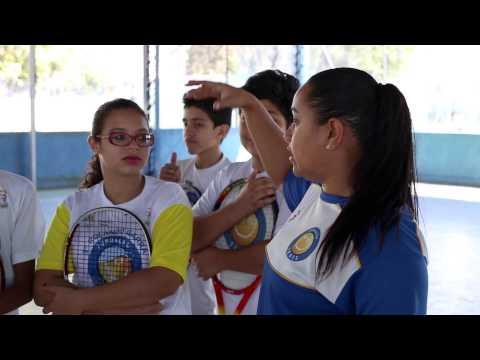 Tênis agrega boas mudanças no comportamento de alunos da rede paulista