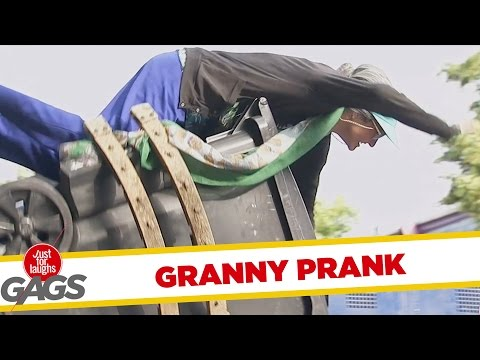 Troll Hài Hước 2015 - Granny Catapulted In The Garbage