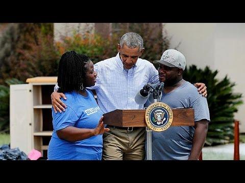 ΗΠΑ: Τους πλημμυροπαθείς του Μπατόν Ρουζ επισκέφθηκε ο Μπαράκ Ομπάμα