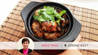 Need confinement meals but without the nanny? Try this! Former TCM nurse Annie is well-known for her variety of confinement meals and Bentong Ginger Argyi Leaf Fried Kampong Chicken is one of her recommended dishes. Visit https://sg.dineinn.com/hosts/annie-yang to see what else she has in store! Enjoy Annie's food for FREE by entering our Master Diner Hunt! You can follow the instructions here: http://bit.ly/MasterDinerHuntGo to our Dine Inn app on iOS: http://bit.ly/DineInniOS / Android: http://bit.ly/DineInnAndroid or visit www.dineinn.com to order now!Dine Inn is a one-stop community marketplace that connects the makers and lovers of food. Tuck into a heart-warming home-cooked meal and share your culinary experiences with new friends.Join the Dine Inn family today!