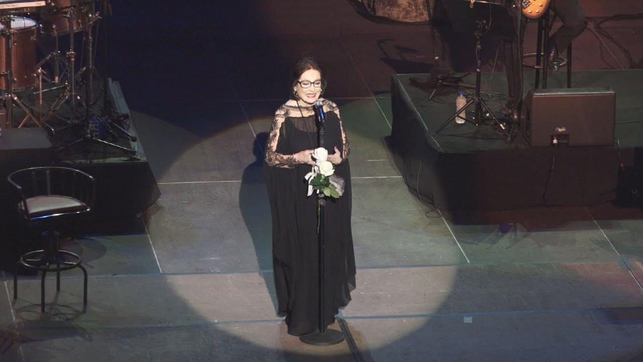 Παρουσία του ΠτΔ η συναυλία της Νάνας Μούσχουρη στο Ηρώδειο