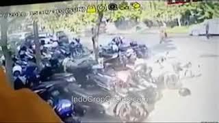 "Video [ZOOMED] SUICIDE BOMBER ""GEREJA KRISTEN INDONESIA"" (GKI) SURABAYA (Sunday, May 13, 2018) MP3, 3GP, MP4, WEBM, AVI, FLV Juni 2018"