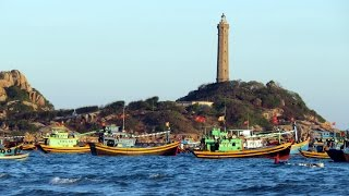 Part 2 of our Vietnam Road Trip.From Ho Chi Minh City, we take off on our scooters and head to the coastal town of La Gi. There, we see fishermen in tiny round boats bobbing around a lighthouse.The next day, we head eastwards to the towns of Phan Thiet and Mui Ne.