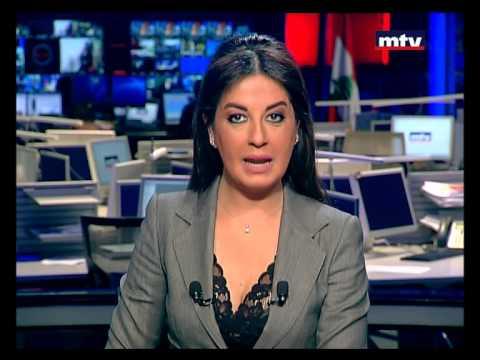 نوبة ضحك تصيب مذيعة لبنانية أثناء تقديم نشرة الأخبار