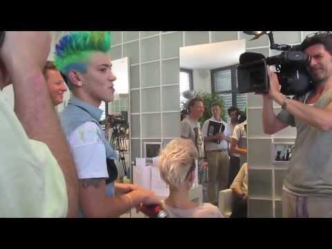haarspray - Präsentation in Regensburg beim Friseur Hecker von Danieles ersten Haarsprays