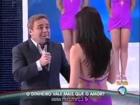 dançarina - Na tarde do último domingo (5 de junho 2011), um acontecimento chamou a atenção dos telespectadores que acompanhavam o