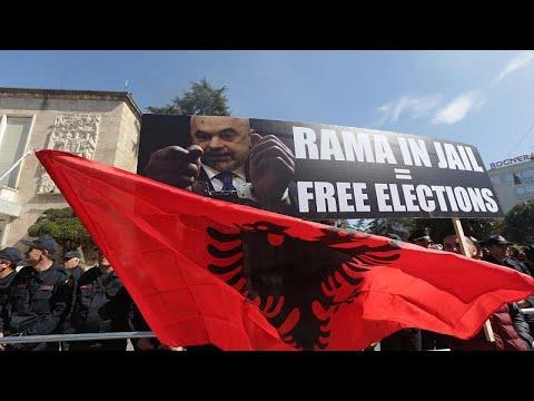 Albanien: Ausschreitungen bei erneuten Protesten gege ...