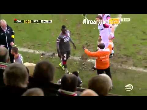 Soccer player deliberately injures opponent whilst smirking and laughing, gets what he deserves.