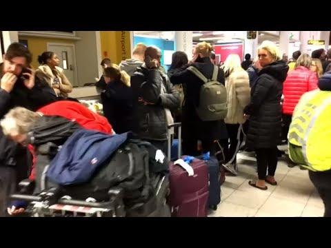 Flughafen Gatwick nach Drohnen-Chaos wieder geöffnet