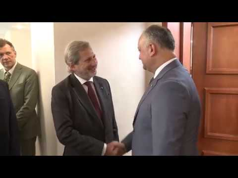 Президент Игорь Додон провел встречу с европейским комиссаром Йоханнесом Ханом