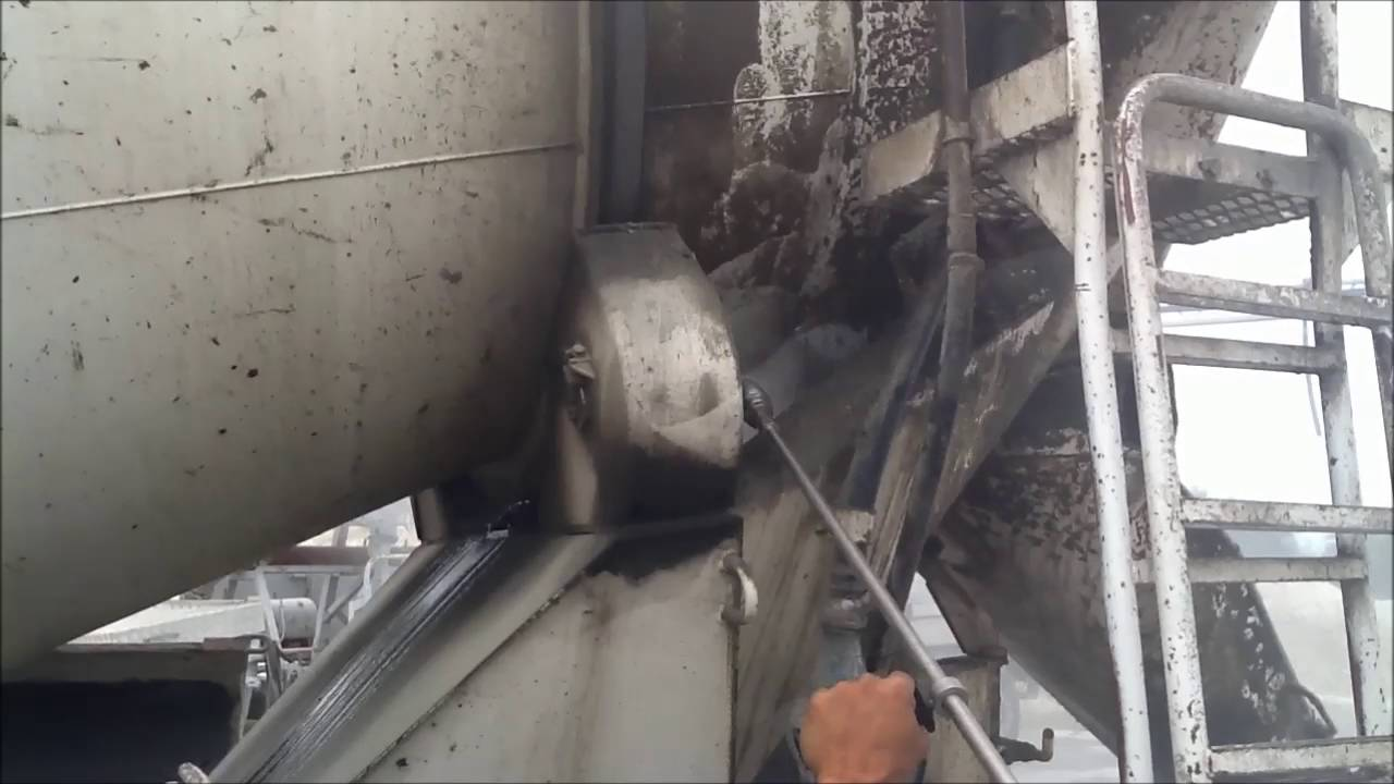 Removing Concrete from Mixer Drum External - 500 bar