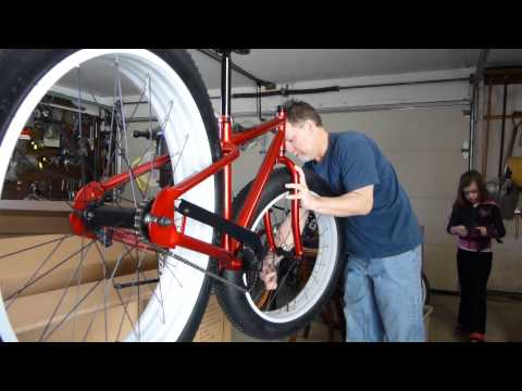 mongoose - Assembling and first ride on the Mongoose Beast fatbike, More videos and photos of and info on my Mongoose Beast here... http://tinyurl.com/mongoosebeast.