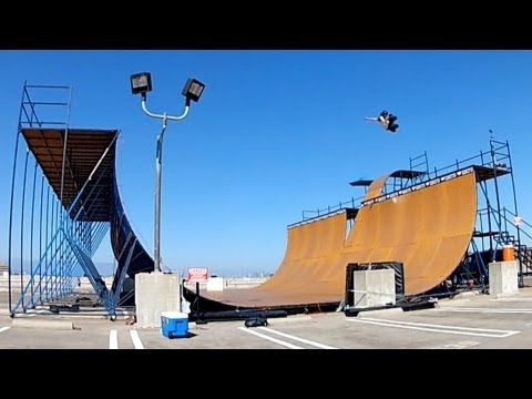 Halfpipe - Shot 100% on the HERO3® camera from ‪http://GoPro.com. In the summer of 2012, GoPro athlete Shaun White and then 12 year old skate phenom Tom Schaar came tog...‬