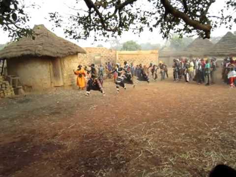 Dundunba Dance - Kon / Dunungbe (Gbendo, December 2011)