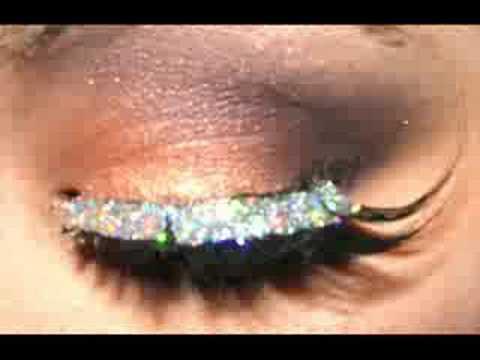 MAC Starflash Makeup: Dramatic Diva!