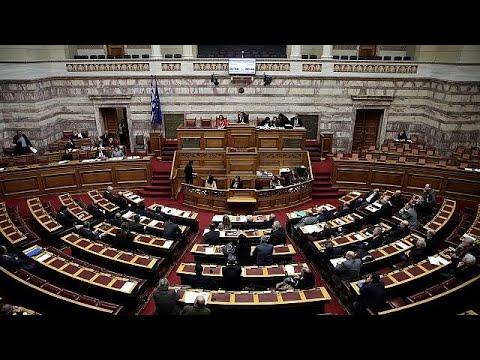 Υπόθεση Novartis: Σε υψηλούς τόνους η μαραθώνια ολομέλεια της Βουλής – LIVE…