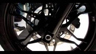 1. 2014 Moto Guzzi V7 Stone Walkaround