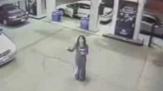 Призрак на камере наблюдения автозаправки