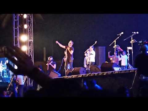 Mera bichra yar - Strings live