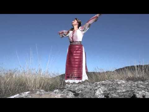 Roberta Crintea-De cine mi-e dor și sete(Official Video) NOU 2014