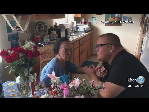 Local Grammy award-winning singer Kalani Pe'a sings to grandmother with Alzheimer's