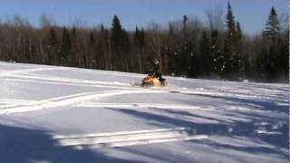 7. Ski Doo MXZ X-RS 800 H.O. PTEK 2007 Field Ride Mont-Comi Part 2