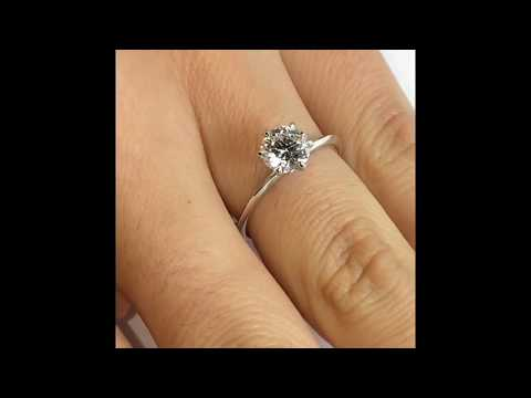 1 carat Round Diamond Engagement ring