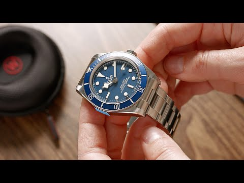 "HANDS ON the brand new Tudor Black Bay Fifty-Eight ""Navy Blue"" 79030B"