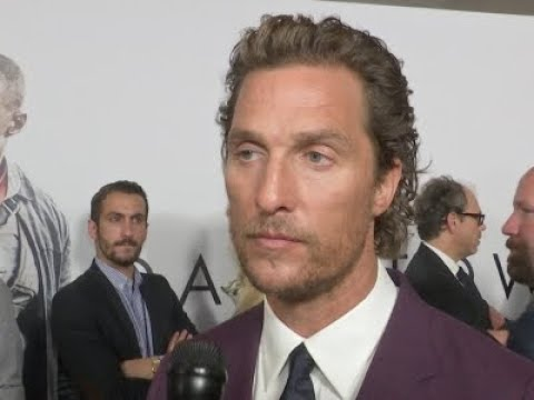 Matthew McConaughey learns of friend's death on red carpet