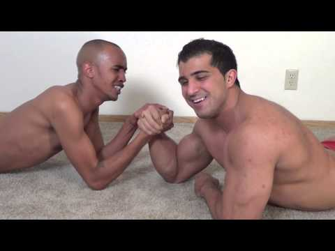 Bodybuilder vs Skinny guy ARMWRESTLING!