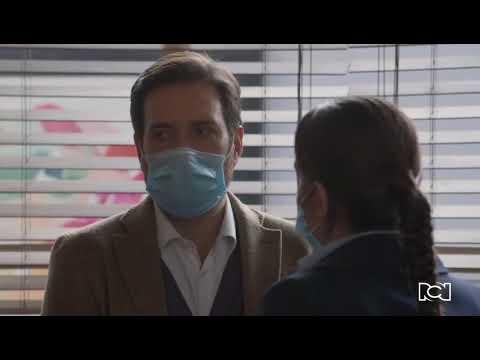 Garnica está a punto de descubrir el secreto de Helena y Gloria | Enfermeras