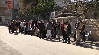 الإعتصام الأسبوعي لأهالي الأسرى أمام مقر الصليب الأحمر