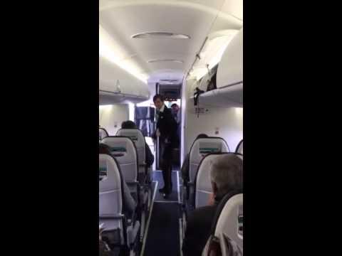 hostess di volo stupisce tutti con il suo balletto funky!