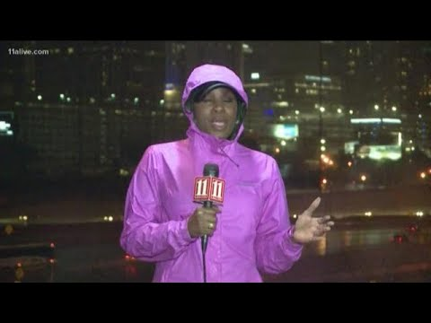 Heavy rain, strong wind gusts pushing into metro Atlanta