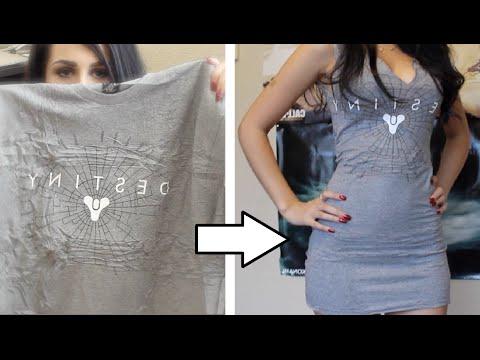 她先是把舊T恤的兩邊剪掉,當她結束超強DIY後我以後就再也不丟舊T恤了!