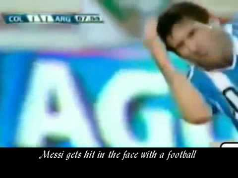 Messi gets hit in the face with a football/soccer ball (видео)