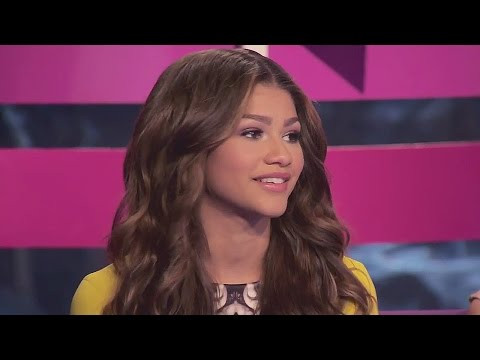 Project Runway: Threads: Guest Judge Zendaya Compliments a Contestant