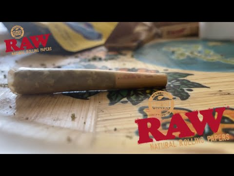 HOW TO ROLL A PERFECTO™️ Learn How To Roll a Joint in 5 Minutes • The420World
