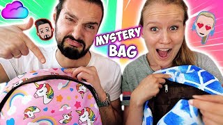 WHATS IN THE BAG Switch-up Challenge Back to school Edition Kaan vs Kathi Wer hat coole Schulsachen?